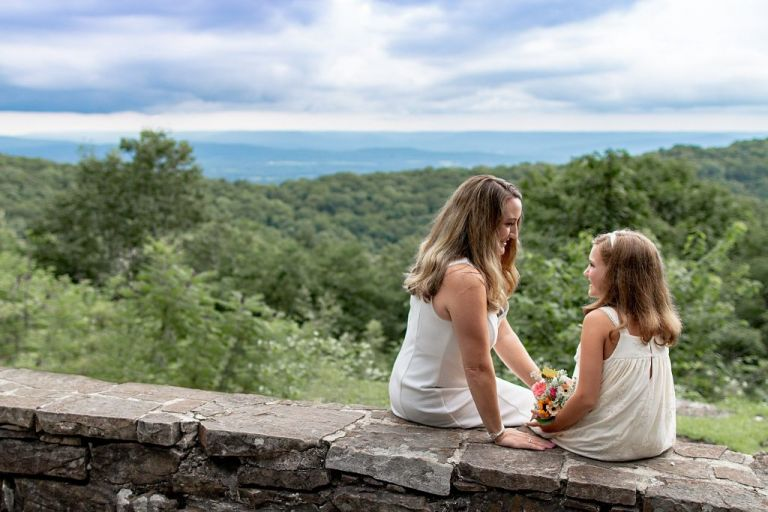 Monte Sano family pictures of a mom and daughter by Ellen Adams Photography